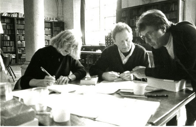 Rachel Blau DuPlessis, Emmanuel Hocquard, and Jean-Paul Auxeméry at work in 1992