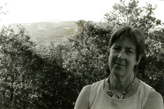 Rachel Blau DuPlessis in Umbria at Il Palombaro, Italy, in 2005. Photo by Robert