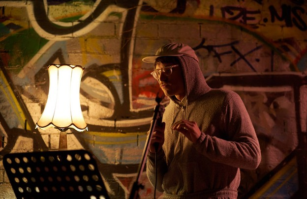 Eddie Hopely reading at Sappho's, August 9, photo by Phan Quỳnh Trâm