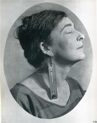 Mina Loy, 1917 (photo by Man Ray)