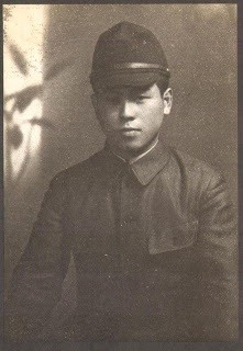 Uncle Ken'ichi, a photo in wartime